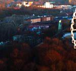 Ausblick von der Bar Heaven 23 im 23 Stock der Gothia Towers in Göteborg auf den Vergnügungspark Liseberg - (copyright: planätive)