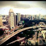 Beeindruckender Blick vom Singapore Flyer auf das pulsierende Stadtleben - © Planätive