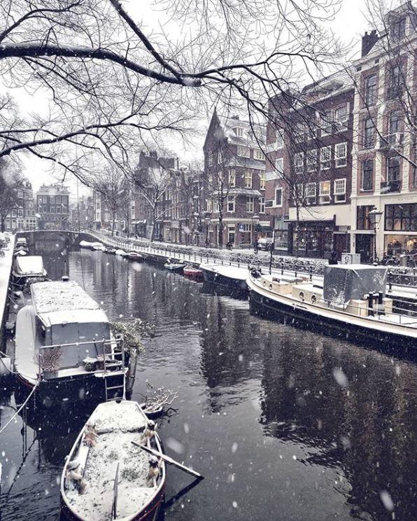 Amsterdam-Best Instagram by @amsterdam_special - Spiegelgracht