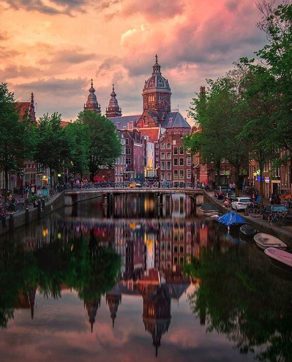 Amsterdam-Best Instagram by @gkossieris - Sint Nicolaas kerk