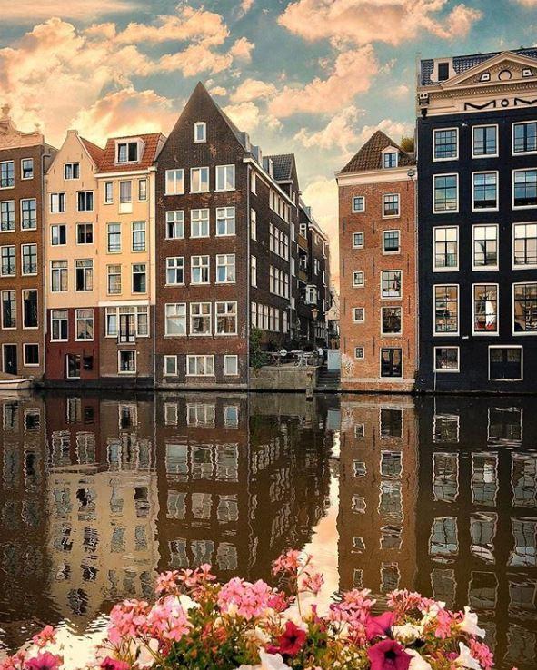 Amsterdam-Best Instagram by @tatsolbe - Damrak