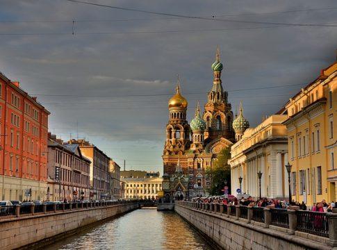 Top Sehenswürdigkeiten von St. Petersburg auf einem Blick (c) Georg11