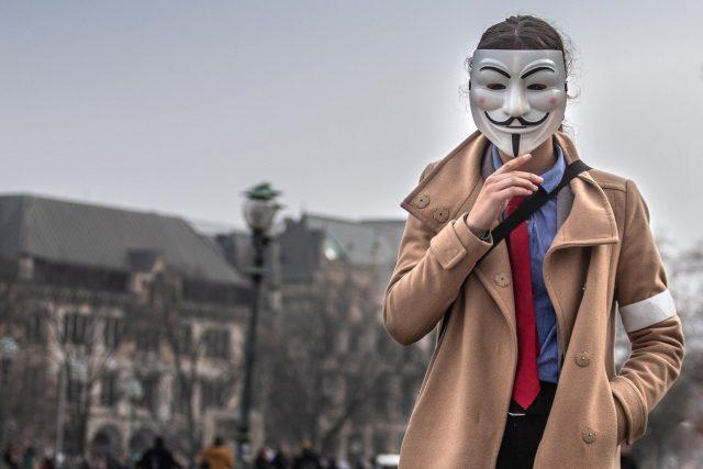 Was hat Guy Fawkes mit der Vendetta Maske zu tun? - Bild von Tobias Heine auf Pixabay
