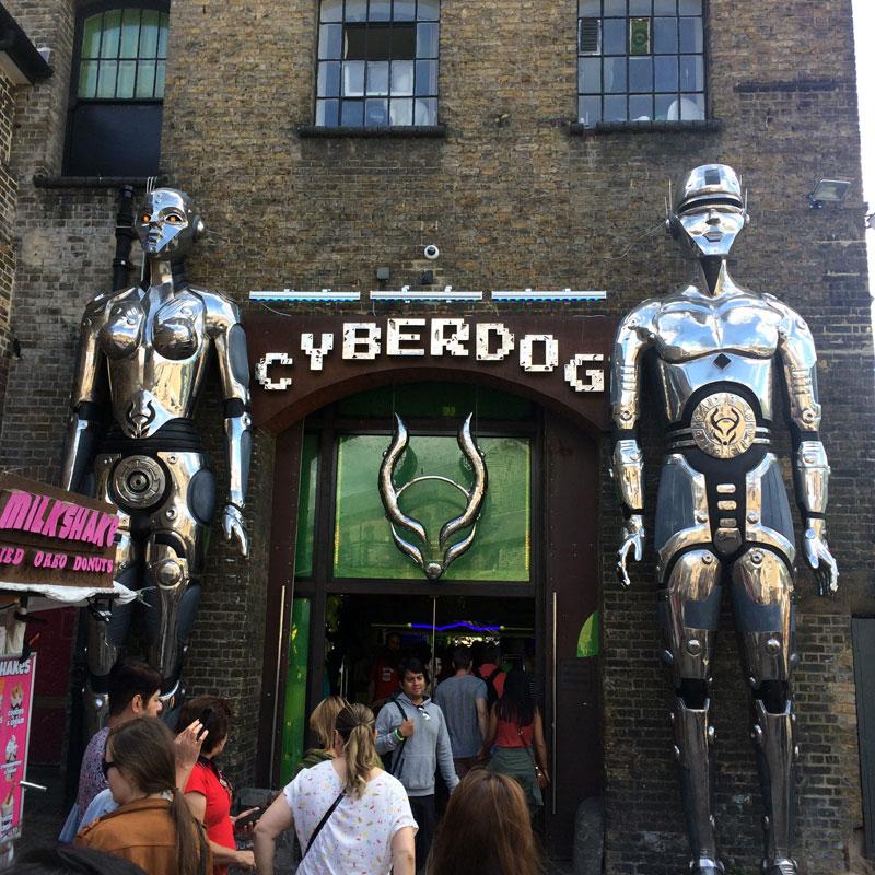 Cyberdog - ein Kult Laden in Camden