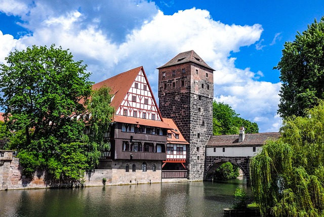 Henkersbrücke Nürnberg von LeonhardNiederwimmer auf planative.net ((C) https://pixabay.com/de/photos/n%C3%BCrnberg-bayern-franken-altstadt-4580996/)