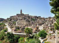 Matera in Apulien als Schauplatz für James Bond 007 - Bild von Renzo Lapina auf Pixabay
